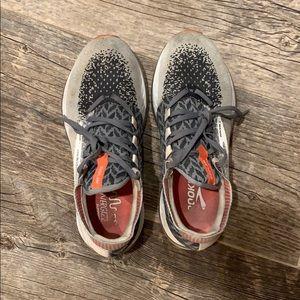 Brooks Bedlam Running Tennis Shoe